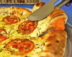 Tényleg ehetek pizzát a fogyókúra alatt?